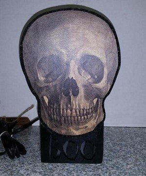 Light Box - Boo Skull