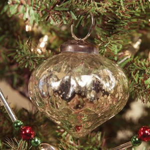 "2"" Silver Onion Mercury Ornament"