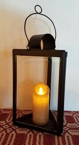 Antique Lantern Triangle