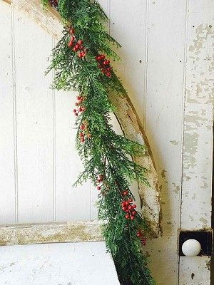 6' Garland Red Cedar & Berries