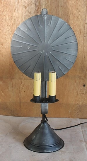 Avery Tin Table Light