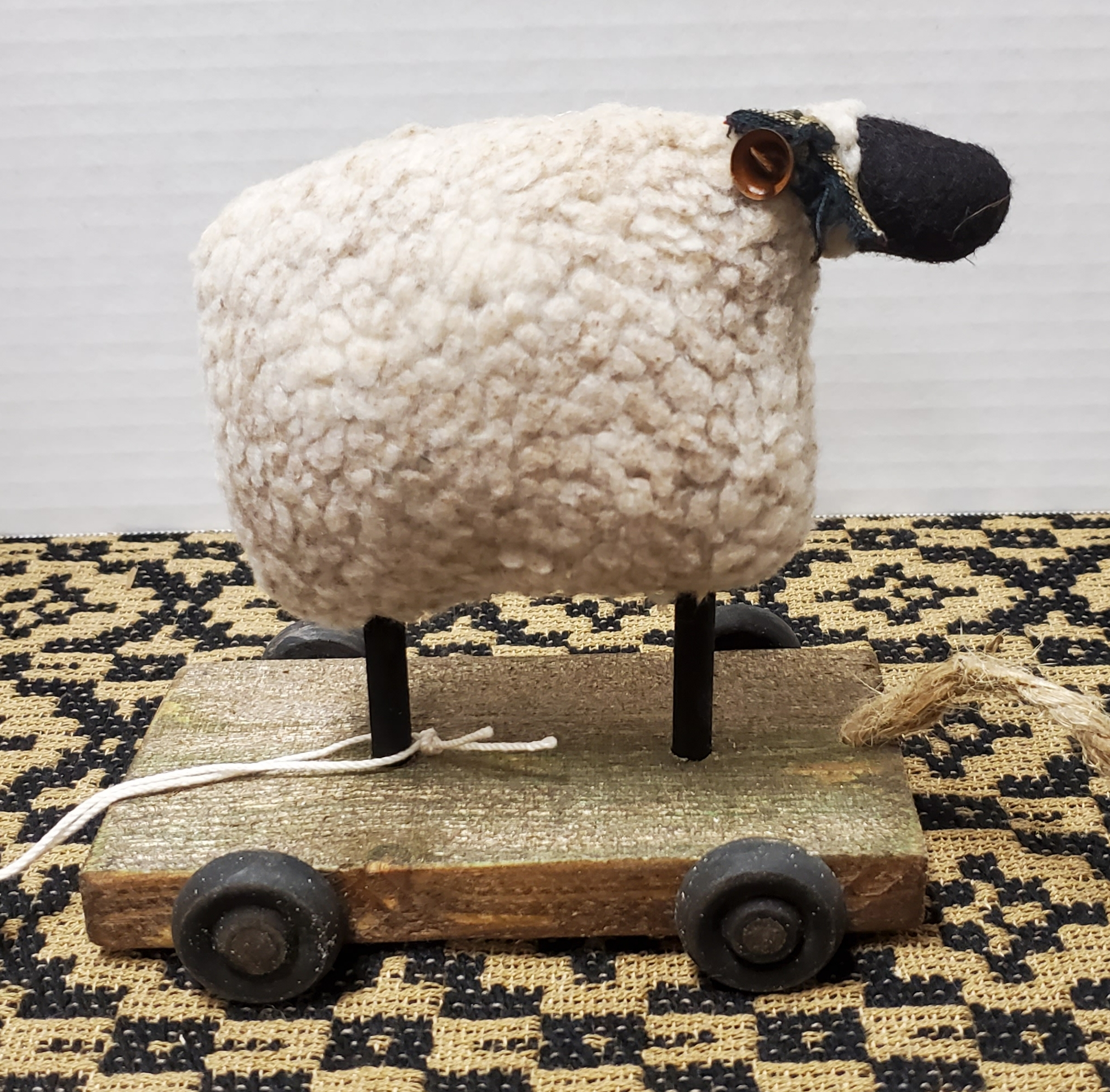 Small Sheep Pull Toy