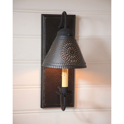 Crestwood Sconce in Black