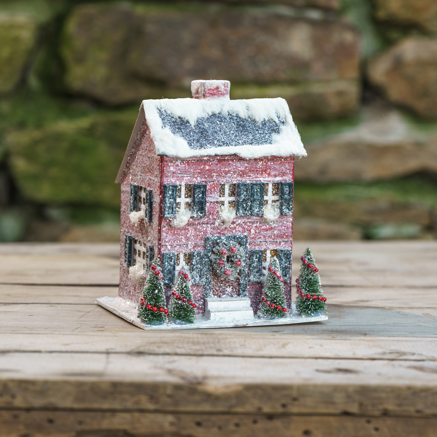 LIGHTED 8 IN SMALL RED SALTBOX