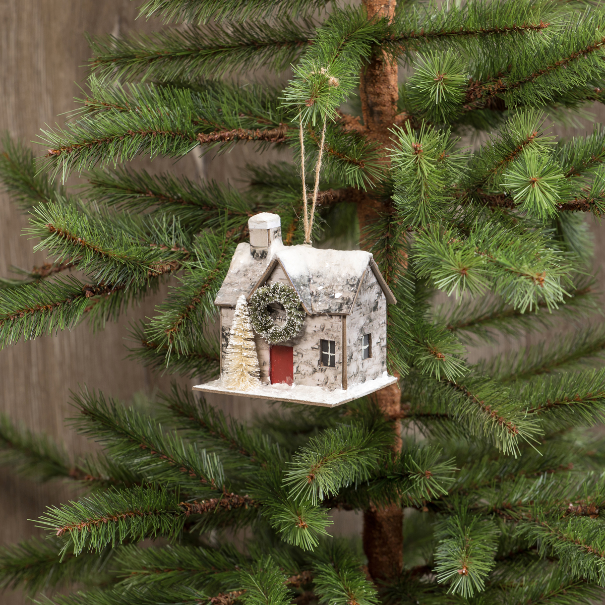 HOUSE WITH WREATH ORNAMENT