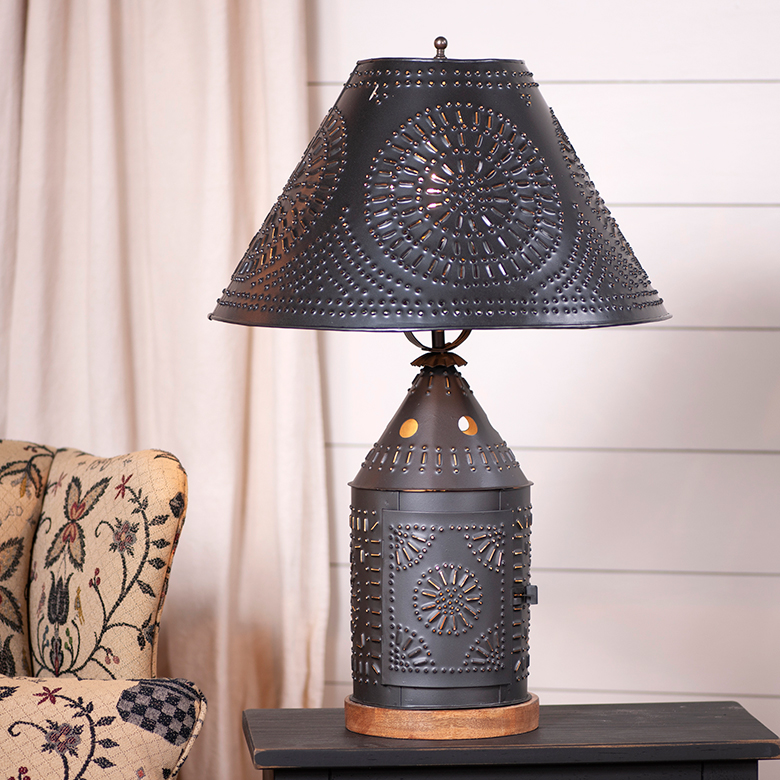 Tinner S Revere Lamp With Tin Shade K16